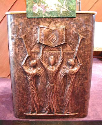 Sermon podium-large